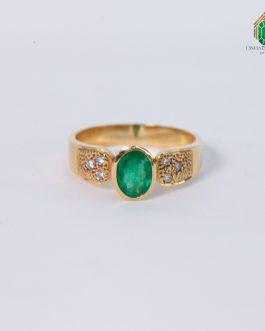 Anillo Oro 18k Esmeralda Ovalo Con Diamante Al Grano